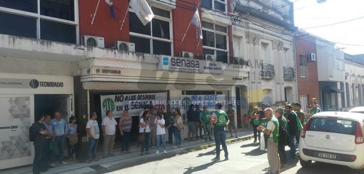 Trabajadores de Senasa denuncian despidos en el centro regional Santa Fe