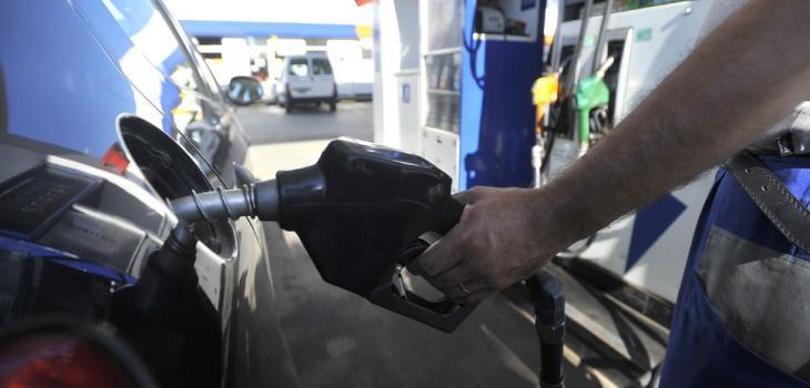 La nafta en Santa Fe se mantiene con los precios del año pasado