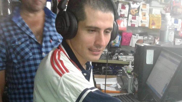 Murió Claudio Raffín al caer de la caja de una camioneta