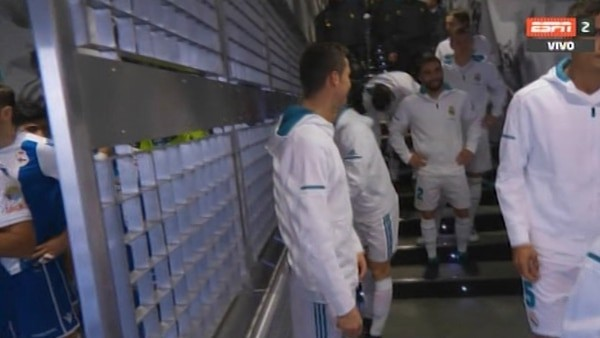 El momento en que Cristiano Ronaldo le dice a un niño que Messi