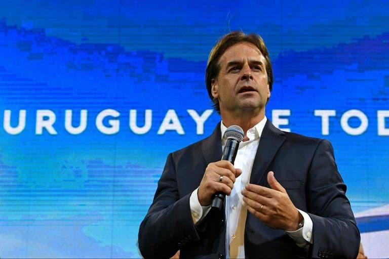 Ventajas fiscales: Lacalle Pou busca que miles de argentinos se muden a Uruguay