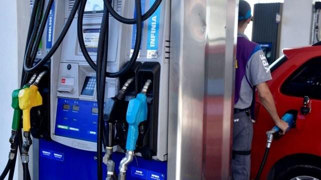 Anticipan que se viene un aumento de combustibles en febrero