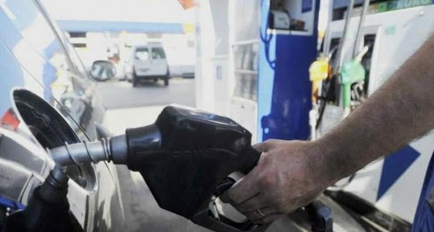 ¡Estafa! Llenó el tanque de nafta y se fue sin pagar