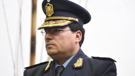 Nuevo jefe de policía en un momento caliente