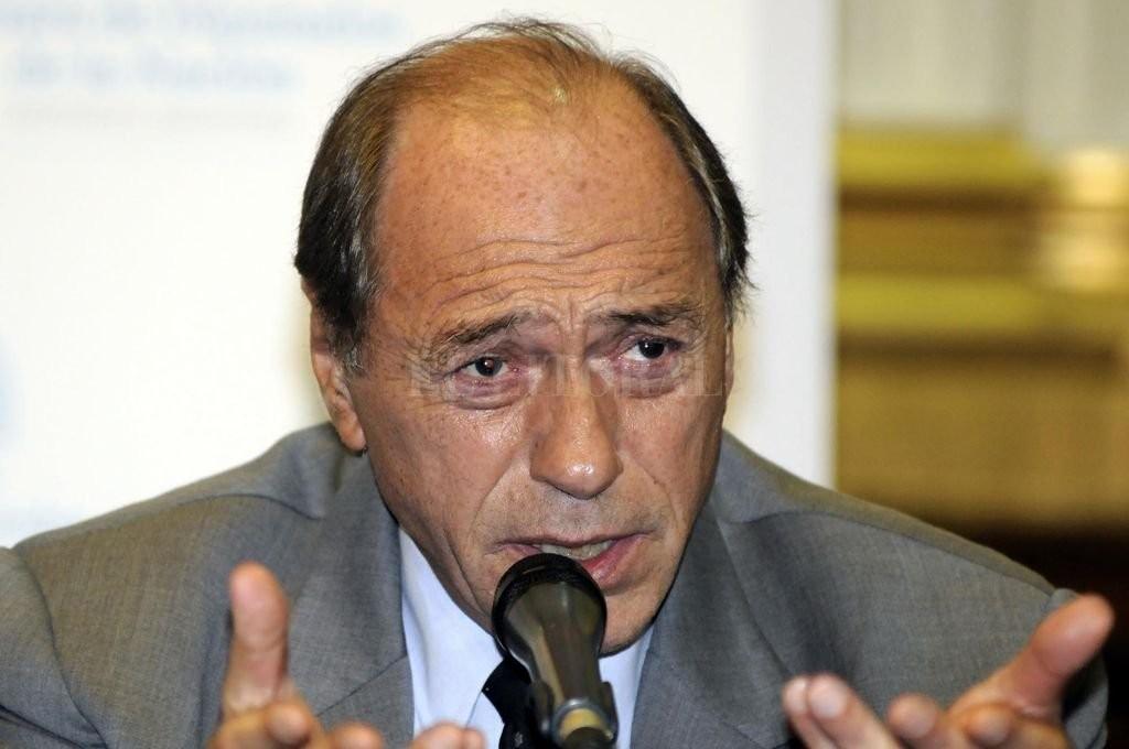 Zaffaroni alentó otra vez una salida anticipada de Macri