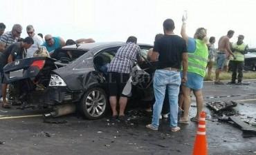 Cuatro muertos por un choque frontal en la conexión vial Rosario-Victoria