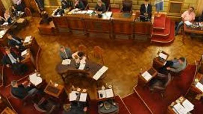 Frenéticas negociaciones para que la necesidad pública sea tratada el jueves en el Senado