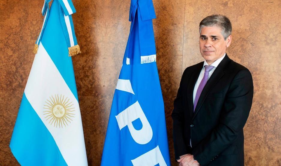 Asumió como presidente de YPF un abogado cercano a Cristina Kirchner