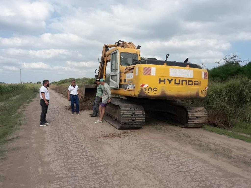 Bajos Submeridionales: La provincia proyecta obras para evitar anegamientos y garantizar el abastecimiento de agua