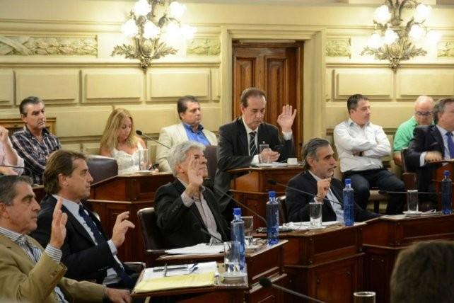 Senadores autorizó a la provincia a tomar deuda por u$s 300 millones