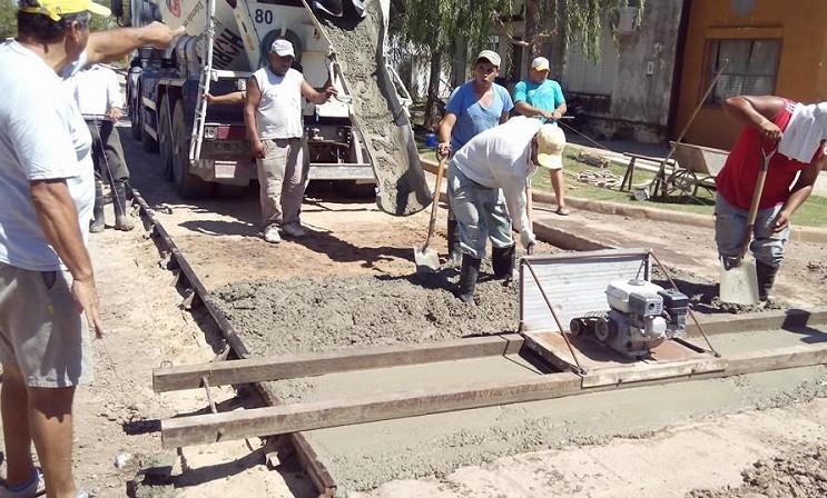 Pavimento urbano:80 millones para las 32 localidades del Dpto. SC