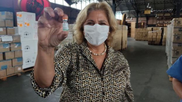 Llegaron las vacunas para los docentes y el jueves empiezan a inocular