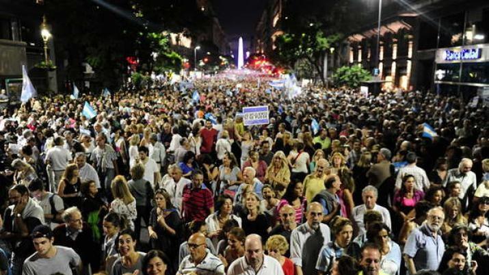 Funcionarios del Gobierno y diputados se hicieron eco de la marcha