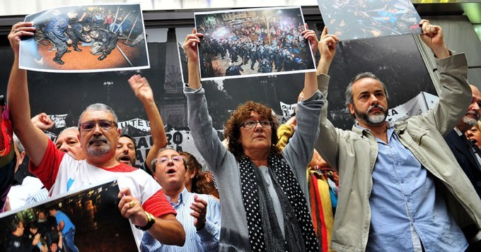 Tras la represión, docentes anunciaron un paro nacional