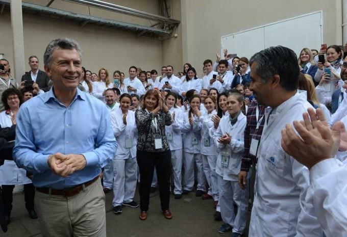 Macri anunció que en septiembre se licitará el puente a Paraná