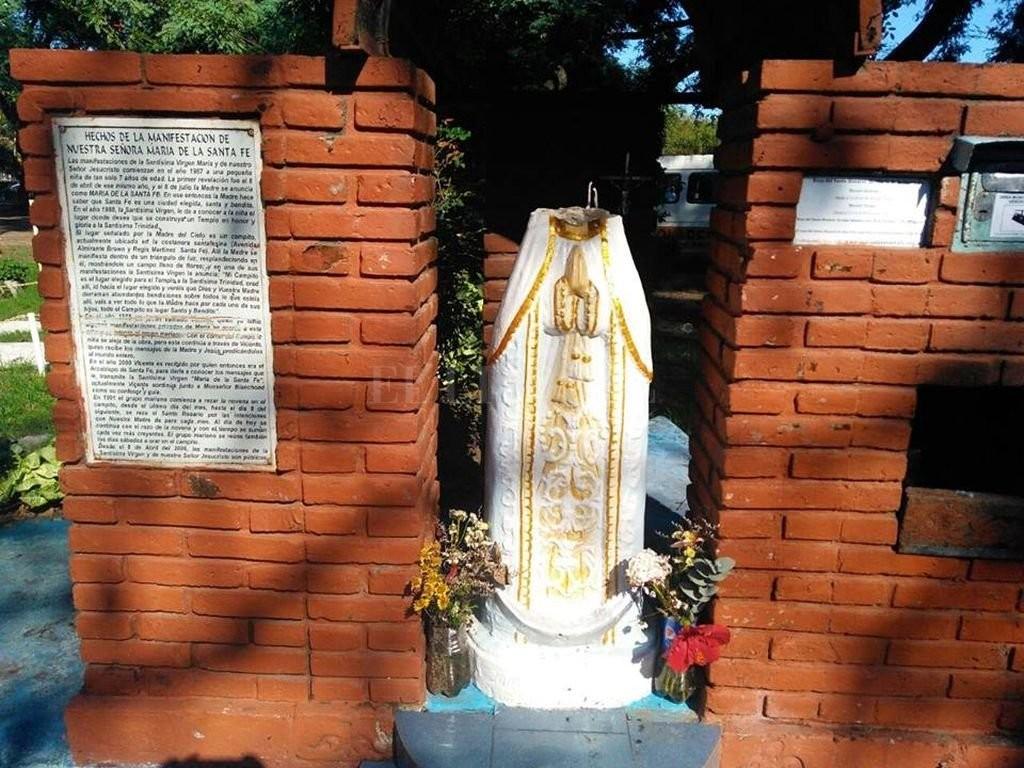 Profanaron la Virgen María que se encuentra en la costanera santafesina