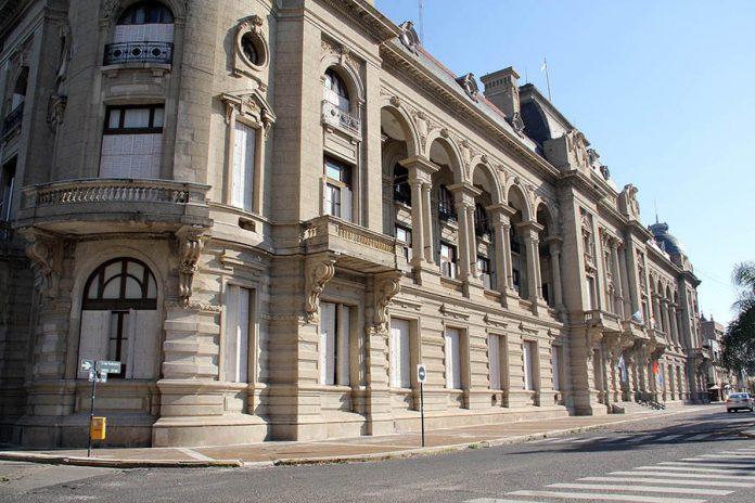 El Gobierno no descarta modificar el cronograma de pagos para estatales provinciales