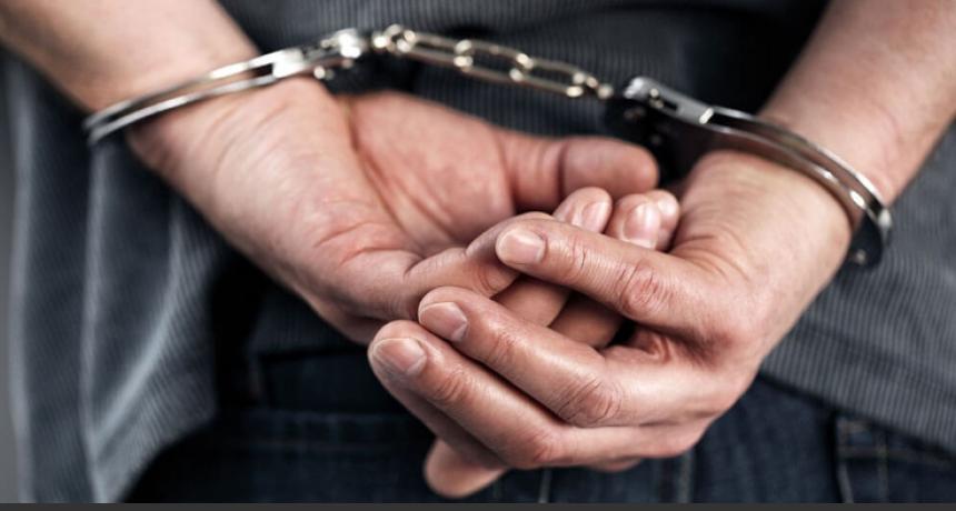 Suardi: Lo detuvieron por violar la cuarentena y descubrieron que tenía droga