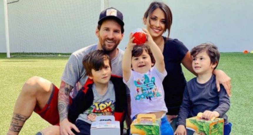 Messi celebra la Pascua con una foto familiar desde Barcelona