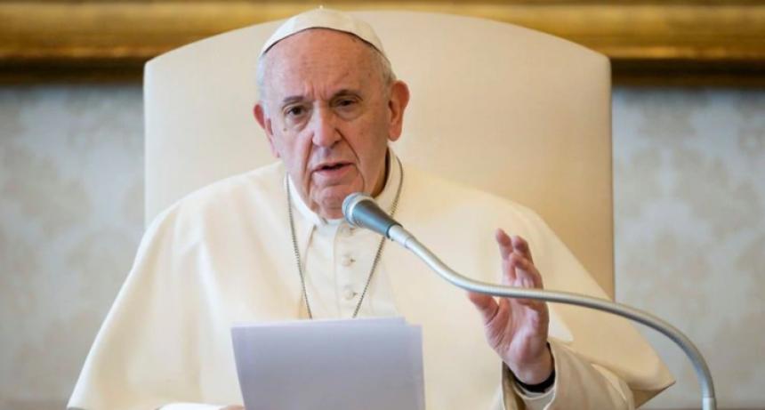 """Carta del Papa a los movimientos populares del mundo: """"Tal vez sea tiempo de un salario universal que reconozca sus tareas"""""""
