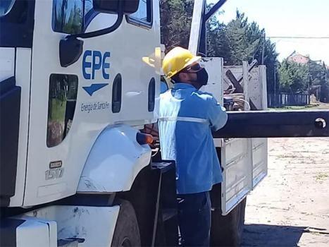 Por la cantidad de trabajadores aislados, la EPE advierte por posibles demoras en el servicio