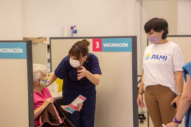 El Pami comenzó la vacunación antigripal para sus afiliados de todo el país