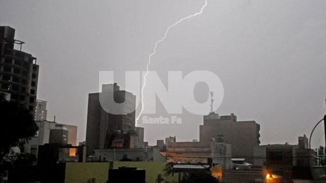 Rige una alerta por lluvias y tormentas intensas para toda la región
