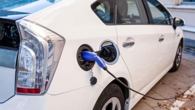 El Gobierno autorizó a una empresa china de autos eléctricos a operar en el país
