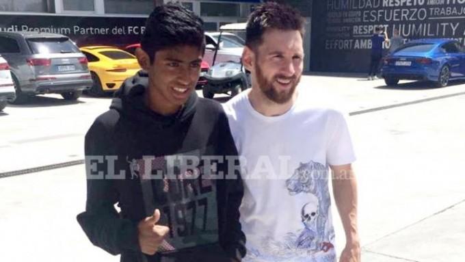 Messi le cumplió el sueño a un joven de Santiago del Estero