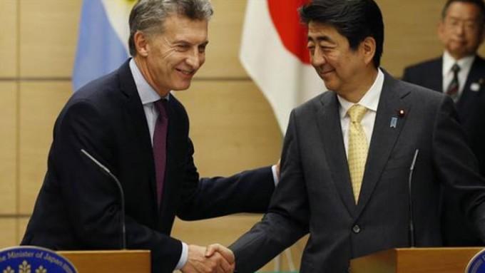 Macri regresa de su gira con más de US$15.000 millones en inversiones