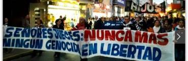 Miles de santafesinos se manifestaron contra el 2x1