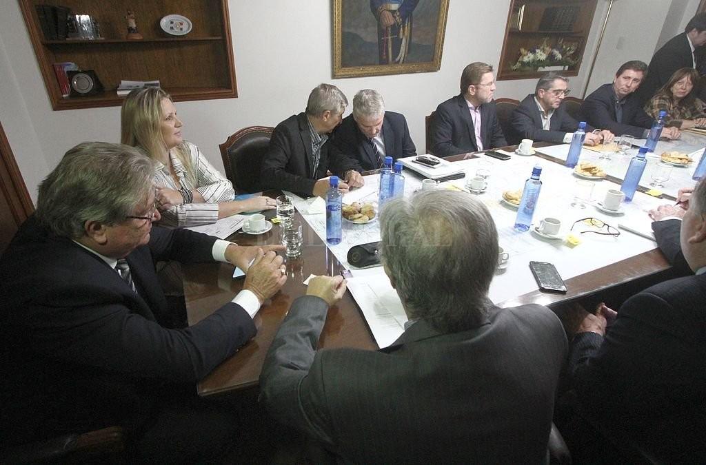 Por las tarifas de la EPE, el Senado prepara otro debate