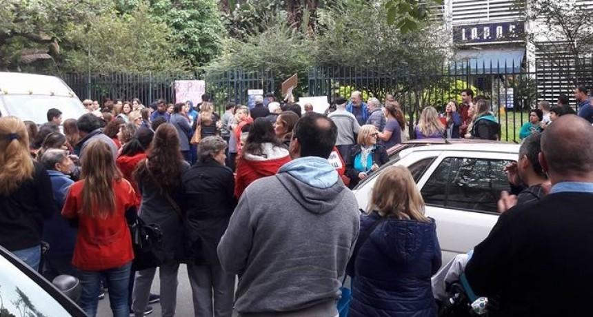 Protesta de prestadores del IAPOS