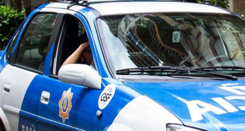 Policías detenidos por encubrir violencia de género y amenazar a la víctima