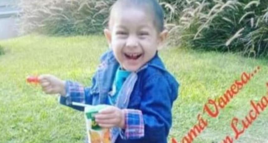 Luca, el pequeño que le ganó al cáncer, fue recibido como un héroe en Santo Domingo