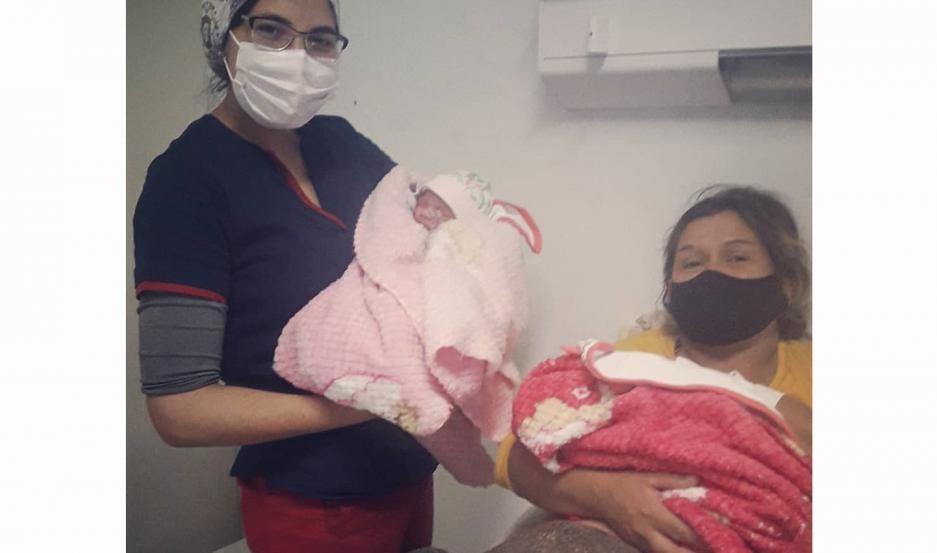 Nacimiento gemelar sorprendió a galenos del Hospital Zonal Cleofas Mazza de Ojo de Agua