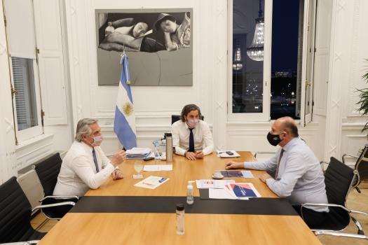 Perotti afirmó que 29 de los 50 respiradores que gestiona con Nación ya están en la provincia para sumar camas críticas