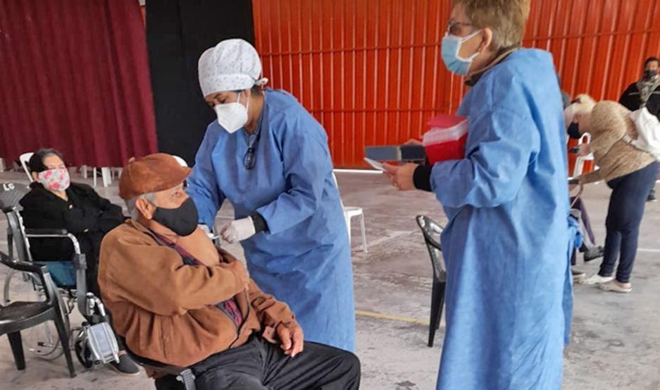 Desde el 11 de mayo, al menos 25 mil santiagueños empezarán a recibir la segunda dosis de la vacuna contra el Covid-19