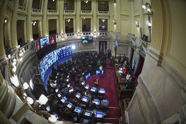 Los senadores le marcaron la cancha a Guzmán