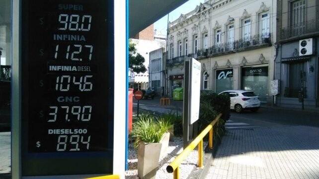 YPF aumentó los combustibles un 5 por ciento promedio y es el sexto incremento en lo que va del año