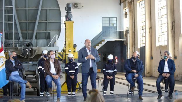 Perotti y Cafiero inauguraron un taller ferroviario en San Cristobal