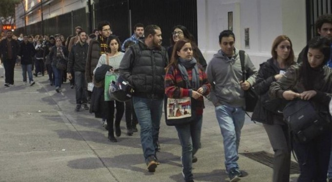 Los jóvenes tienen más dificultades para conseguir trabajo
