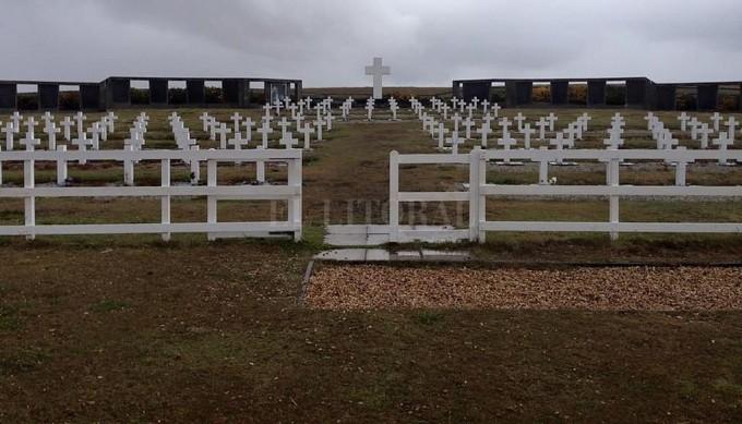 Preparativos finales en Darwin para iniciar el reconocimiento de los soldados argentinos NN