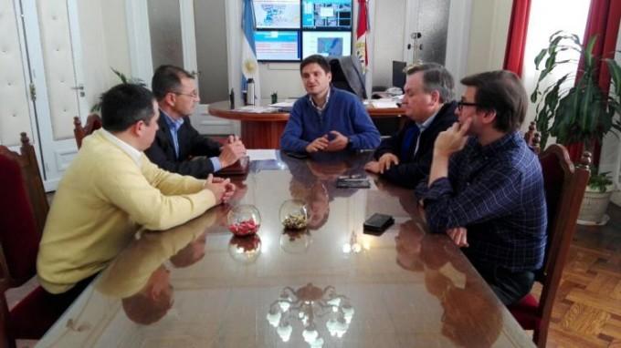 Pullaro y el Senador Michlig entregarán nuevos móviles a la Guardia Los Pumas