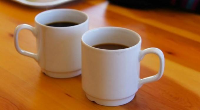 El café y el té podrían ayudar a prevenir fibrosis en el hígado.