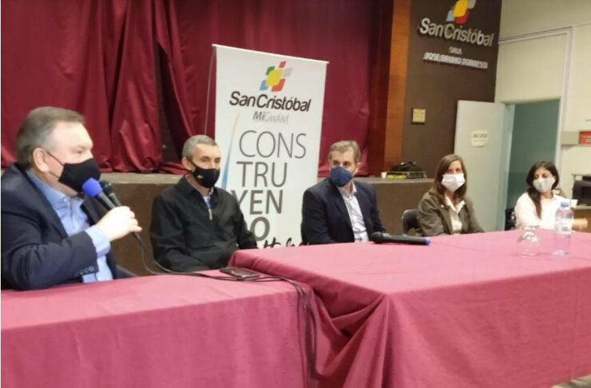 Firma de convenios sociales con 20 localidades del departamento San Cristóbal