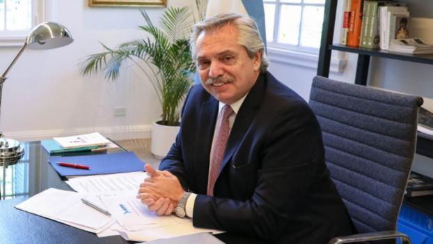 El presidente Alberto Fernández felicitó a Colón
