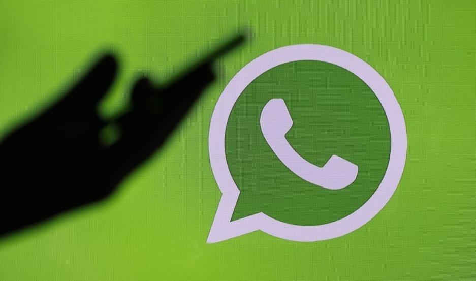 Usuarios alertan por la caída de WhatsApp y Facebook