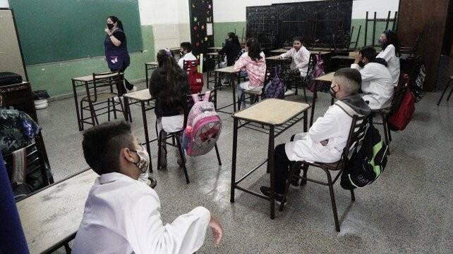 Qué opinan los gremios docentes sobre el regreso a las clases presenciales en Santa Fe