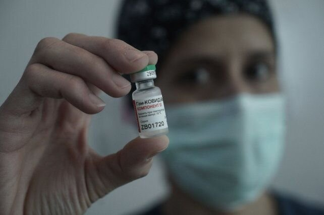 Llegan las segundas dosis de la vacuna Sputnik y la semana próxima empiezan a aplicarlas